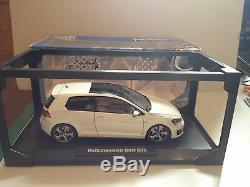 Vehicules Miniatures Norev Show Room Volkswagen Golf Gti Blanche 1/18 Min0001219